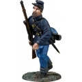 BR31342 Federal in Sack Coat and Felt Hat Advancing