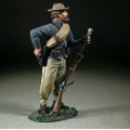 BR31358 Confederate Infantry Reaching for Cartridge