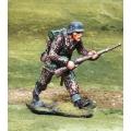 CS000805 Waffen SS Advancing